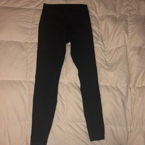 Wonder-Under LuluLemon Yoga Pants